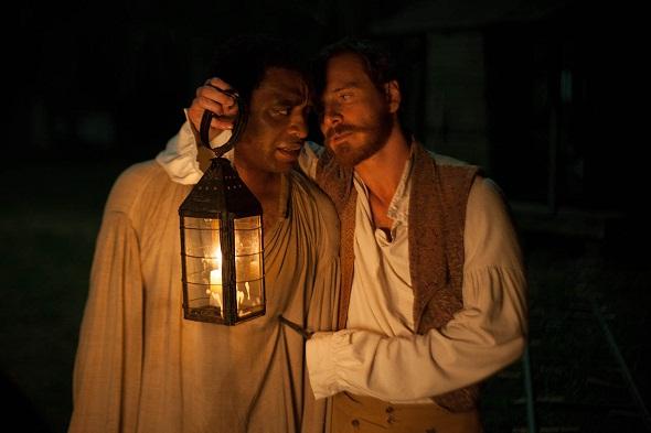 Chiwetel Ejiofor y Michael Fassbender en '12 años de esclavitud'