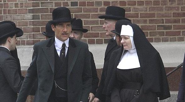 Clive Owen y Cara Seymour en 'The knick'
