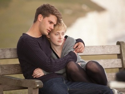 Jeremy Piven y Dakota Fanning protagonizan 'Ahora y siempre'