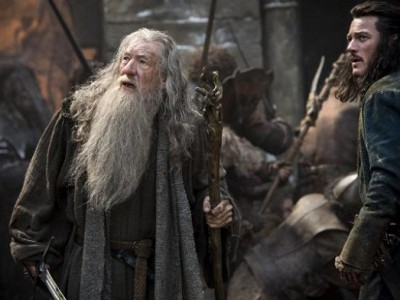 Gandalf y Bardo se enfrentan al temible Smaug