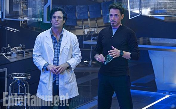 Mark Ruffalo y Robert Downey Jr en 'Los Vengadores: La era de Ultrón'