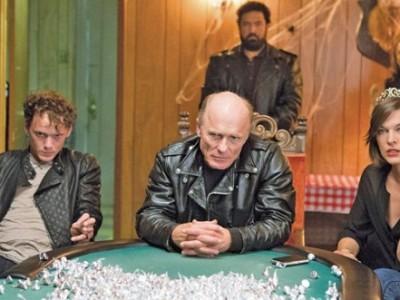 Ed Harris y Milla Jovovich, a la cabeza de un grupo de moteros en 'Cymbeline'