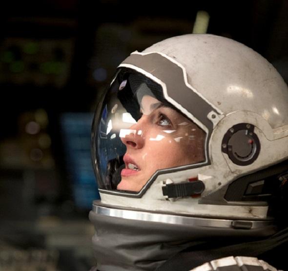 Anne Hathaway es otra de las protagonistas del film