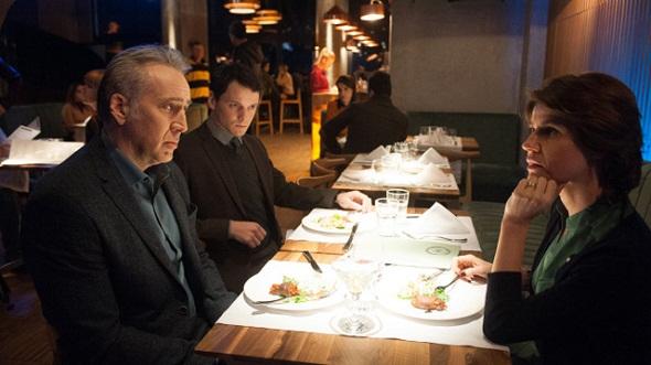 Nicolas Cage, junto a Anton Yelchin e Irene Jacob, en 'Dying of the light'