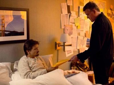 Jeremy Renner y Ray Liotta en 'Matar al mensajero'