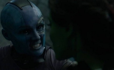 Nebula (Karen Gillan) y Gamora (Zoe Saldana)