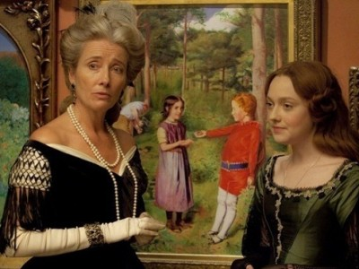 Emma Thompson y Dakota Fanning en 'Effie Gray'