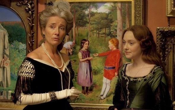 Emma Thompson y Dakota Fanning en 'Effie Gray'