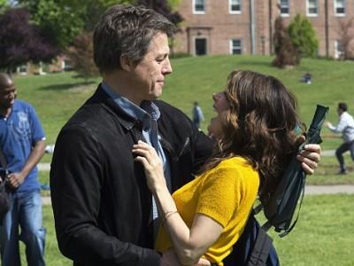 Hugh Grant y Marisa Tomei en la película