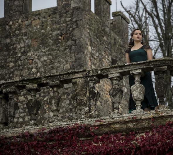La actriz Emilia Clarke, en la primera imagen de 'Voice from the Stone'