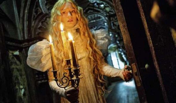 Mia Wasikowska en una imagen de 'La cumbre escarlata'