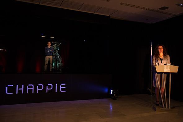 Preparación de la Conferencia holográfica Chappie