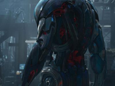 Ultrón protagoniza el póster de Vengadores: la era de Ultrón (Avengers: Age of Ultron)
