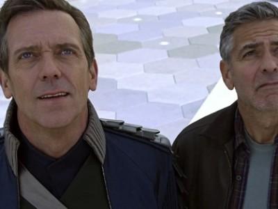 Hugh Laurie y George Clooney en la película