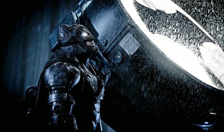 Batman proyecta su señal en el cielo