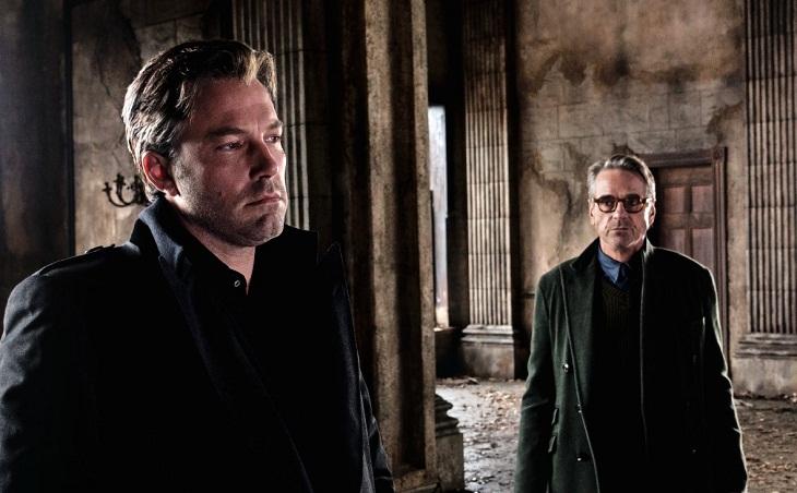 Affleck y Jeremy Irons en la nueva imagen de 'Batman v Superman: Dawn of Justice'