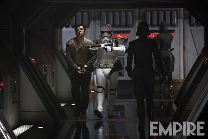Star Wars: El despertar de la Fuerza Poe Dameron esposado