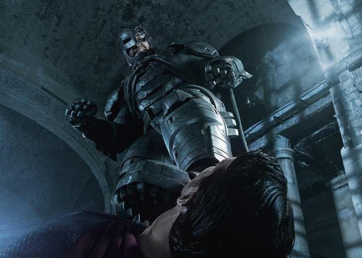 Batman con Superman a sus pies en Batman v Superman: el amanecer de la Justicia