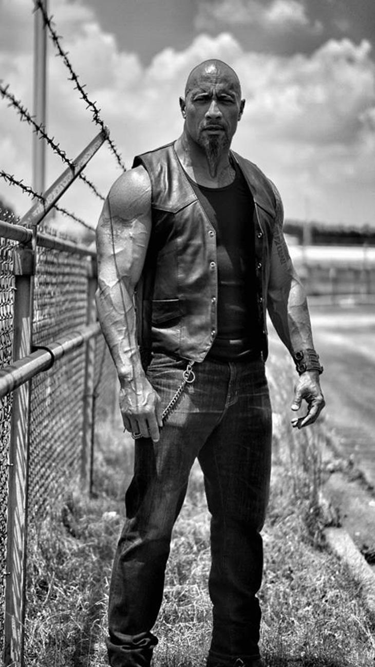 Dwayne Johnson como Hobbs en Furious 8