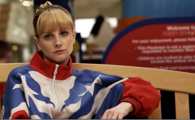 """Sony Pictures Home Entertainment ha lanzado en DVD 'Bronce', película inédita en España, co-escrita y protagonizada por Melissa Rauch. La actriz, mundialmente conocida por su papel de """"Bernadette"""" en The 'Big Bang Theory'"""