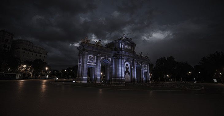 La Puerta de Alcalá en Renaceres a 8 k